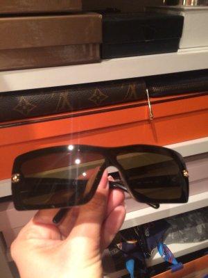Chanel Occhiale da sole spigoloso nero-marrone scuro
