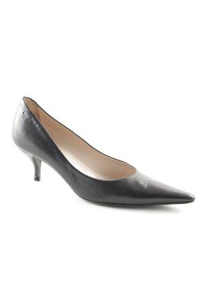 Chanel Spitz-Pumps schwarz Street-Fashion-Look
