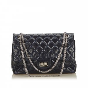 Chanel Bolsa de hombro azul Cuero