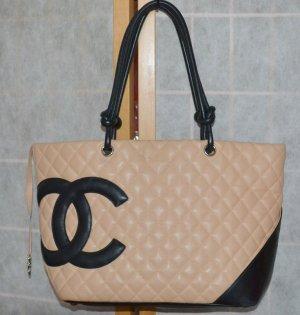Chanel Tasche Cambon Modell beige mit großem CC Logo in schwarz