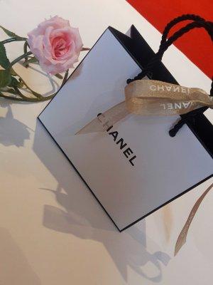 Chanel Tasche mit goldenem Band