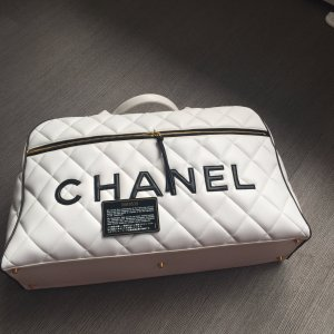 chanel tasche mit zertifikat. Black Bedroom Furniture Sets. Home Design Ideas
