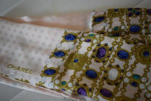 Chanel Bufanda de seda multicolor