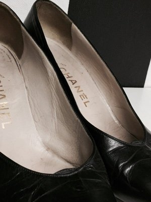 Chanel Spitse pumps zwart Leer
