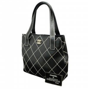 Chanel Bolso negro Cuero