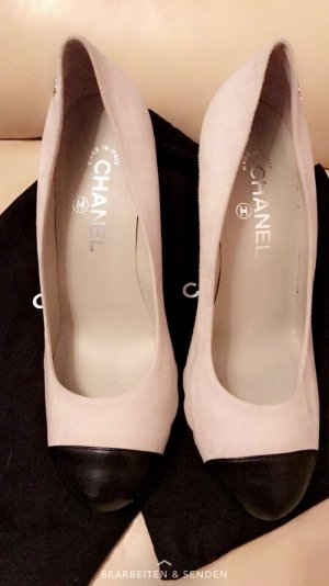 Chanel Wildleder Pumps