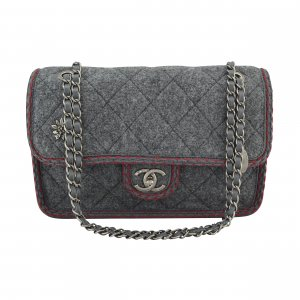Chanel Wool Flap Bag Edelweiß Handtasche @mylovelyboutique.com