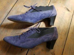 Charles Jourdan Pointed Toe Pumps mauve-purple