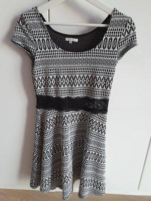 Charlotte Russe Kleid Schwarz Weiß