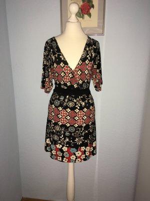Charlotte Russe Cut out jurk veelkleurig