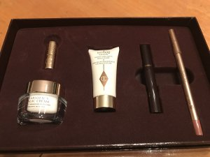 Charlotte Tilbury Beauty Icon Set
