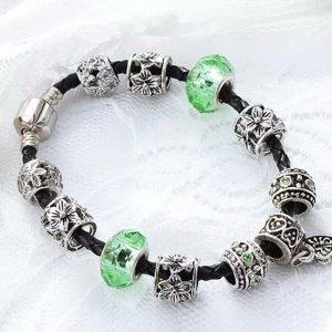 Charm Armband mit 9 Charm grün kompatibel mit führenden Marken 925 Silber