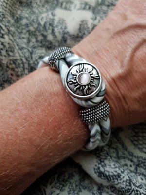 Ornamento braccia bianco-argento