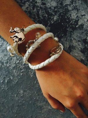 Charming Armband mit kleinen Anhängern