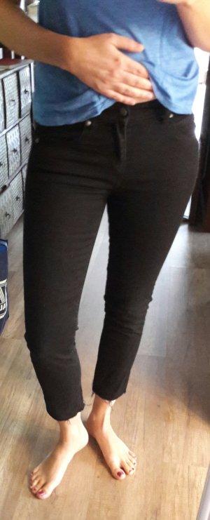 Cheap Monday Cropped Jeans Denim schwarz ripped off ausgefranst Ankle