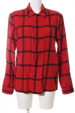 Cheap Monday Camisa de leñador rojo-negro estampado a cuadros look casual