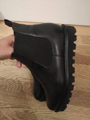 Peter Kaiser Chelsea Boots black