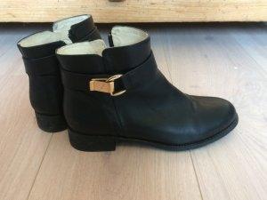 Chelsea Boots aus schwarzem Leder von Buffalo