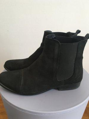 Chelsea Boots aus weichem Leder schwarz Gr. 38