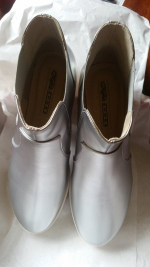 Chelsea Boots Buffalo Silber neu Gr. 39