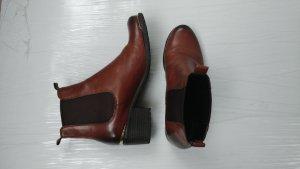 Chelsea boots in Cognac