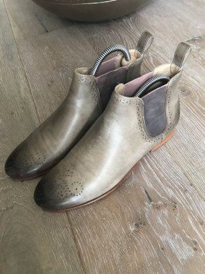 Chelsea Boots in Taupe