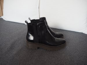 Chelsea Boots mit dicker Sohle