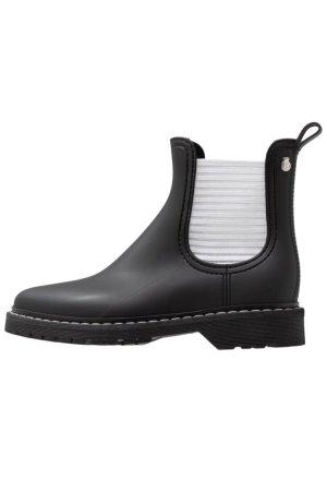Chelsea-Boots, Regenboots