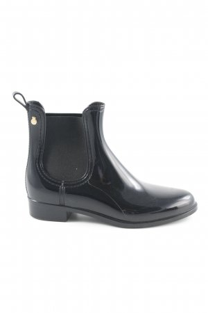Chelsea Boots black casual look