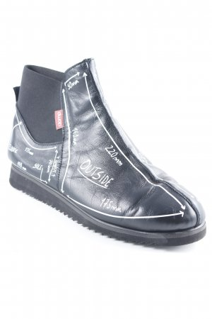 Chelsea Boots black-white printed lettering extravagant style