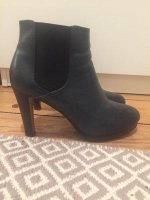 Akira Chelsea Boots dark blue leather