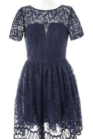 Chi Chi London Ballkleid blau florales Muster Elegant