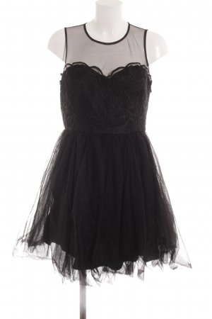 Chi Chi London Ballkleid schwarz extravaganter Stil