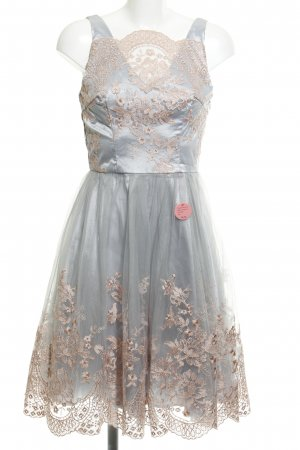 Chi Chi London Cocktailkleid florales Muster Romantik-Look