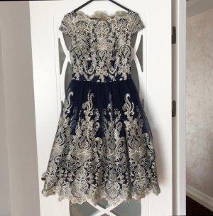 Chi Chi London Kleid in dunkelblau Partykleid Feier