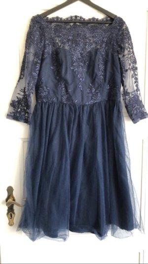 Chi Chi London Kleid mit Etikett