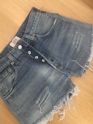 Chiara Ferragni Levi's Shorts
