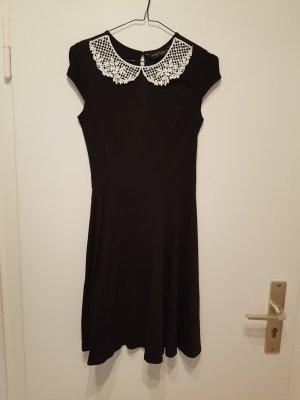 Chices Kleid von Dorothy Perkins