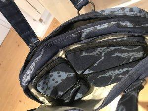 Chiemsee Sporttasche/Handtasche in Dunkelblau mit Chiemsee-Muster