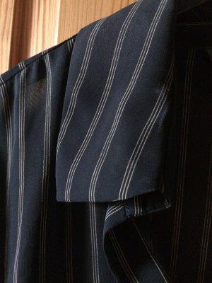 Chiffon Bluse in schwarz mit feinen Streifen