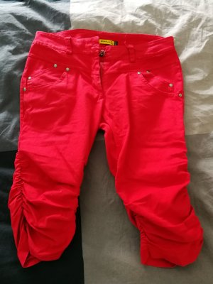 Chilli 3/4 Length Trousers red