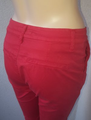 Holiday Chinos red
