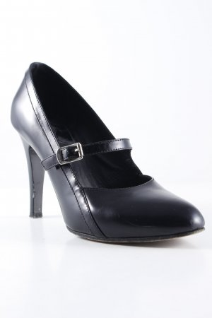Chloé Strapped pumps black classic style