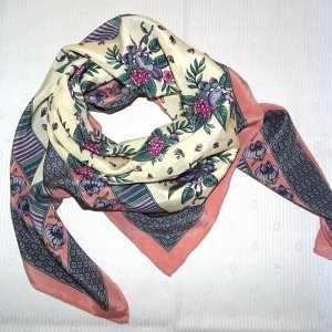 Chloé Foulard en soie multicolore soie