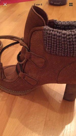 Chloé Booties camel