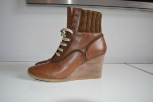 Chloé Wedge Booties brown leather