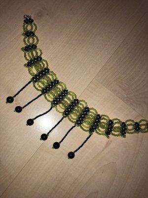 Collier nero-verde chiaro