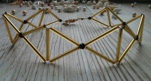 Colliers ras du cou brun sable