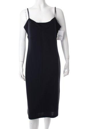 Chou Chou Abendkleid schwarz schlichter Stil