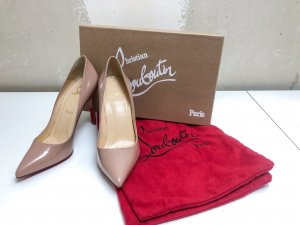 Christian Louboutin Pumps / Model Pigalle Nude Lack / 37,5